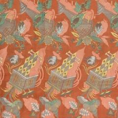 Seidengewebe mit orangefarbenem Damastgrund Frankreich oder Italien, 1700–1710 Abegg-Stiftung, Inv. Nr. 5766 - In dem skurrilen Muster finden sich turmartige Gebilde und Pflanzenmotive, die eigenartige Schatten werfen. Die Motive sind in gegenläufiger Ausrichtung dargestellt und erzeugen über die Länge der Gewebebahnen eine dynamische Zickzacklinie. ©Abegg-Stiftung, CH-3132 Riggisberg (Foto: Christoph von Viràg)