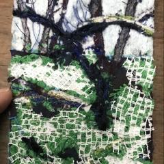 Garten, Diane Lavoie, 2021, Baum im Schrebergarten, fabric and thread, 10/7.5 cm