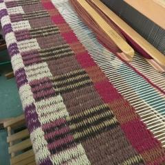 Lala de Dios - Teppich auf dem Webstuhl