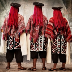 Male costume in the Wallatas dance, communities of Willoq and Patacancha, district of Ollantaytambo, province of Urubamba, Cusco, Peru 2010, Mario Testino, Apr-13, Aus der Sammlung von: MATE — Museo Mario Testino