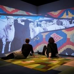 100 Prozent Wolle Ausstellungsansicht © Museum Europäischer Kulturen – Staatliche Museen zu Berlin / David von Becker
