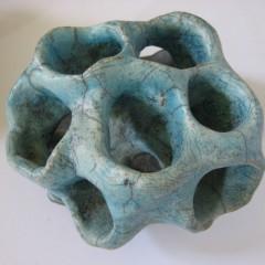 raku-gruenes-objekt-Mittel